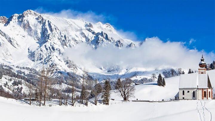 Snowboading In Hochkoenig, Austria