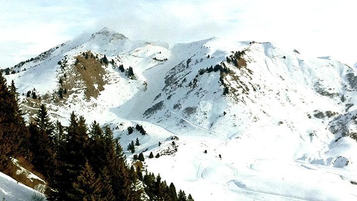 Snowboarding Les Gets in Portes du Soleil